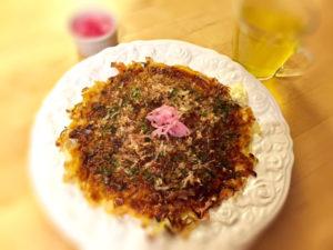 okonomiyaki with green tea