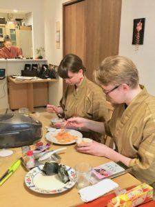 Making Onigir rice ball