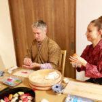 making temari sushi scene