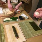 making maki rolls