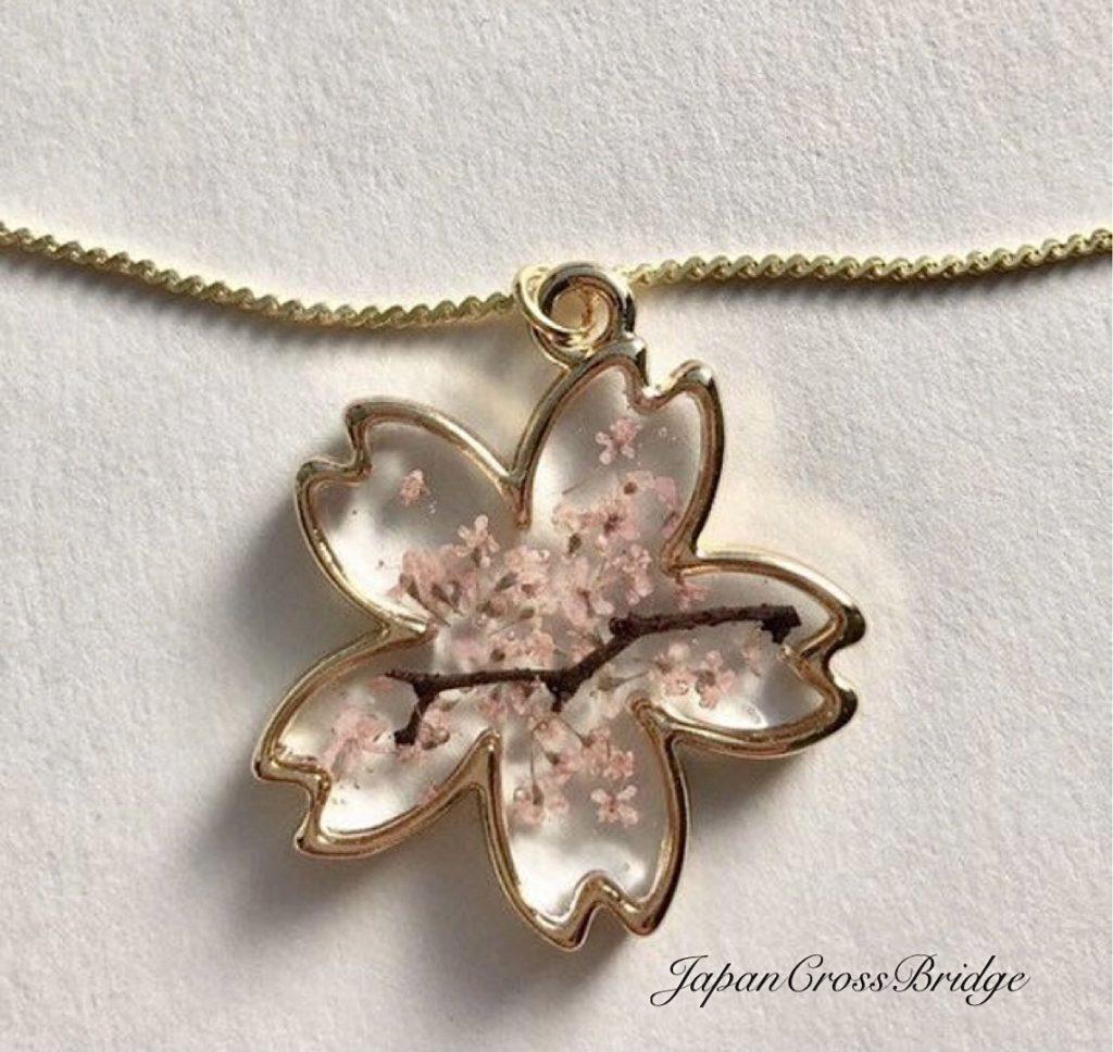 Amazing Sakura shaped cherry blossoms necklace